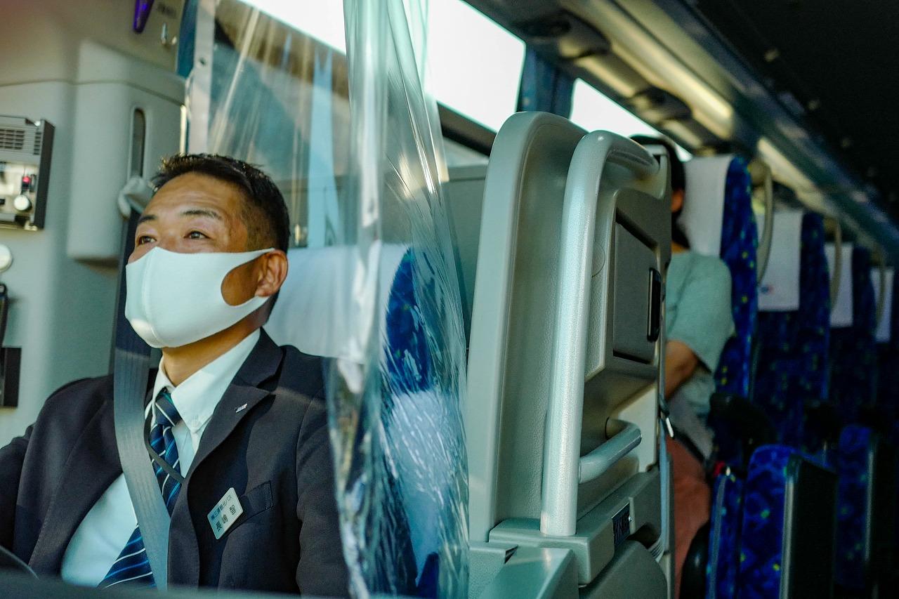 運転席の飛沫感染対策